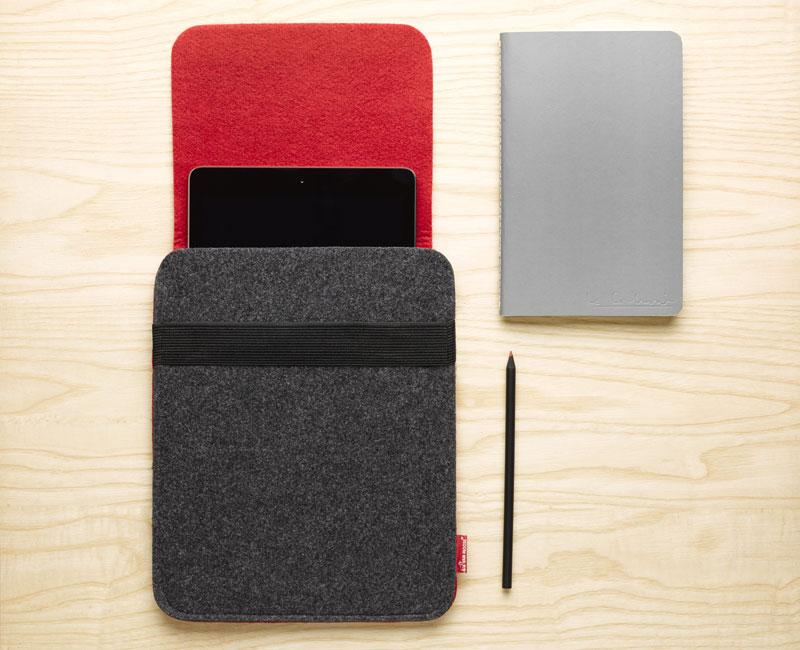 Van Moose tablet bag, red